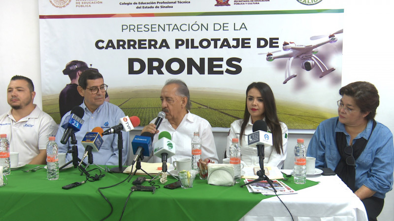 CONALEP presenta nueva carrera, pilotaje de drones