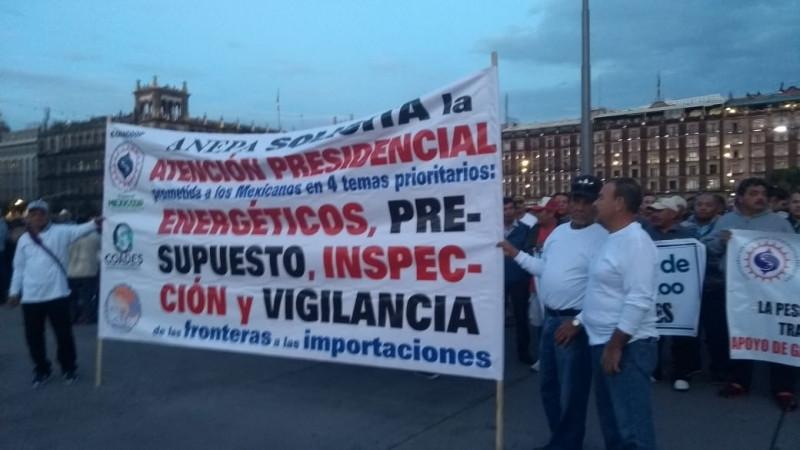 Se mantienen en pie de lucha pescadores en la ciudad de México