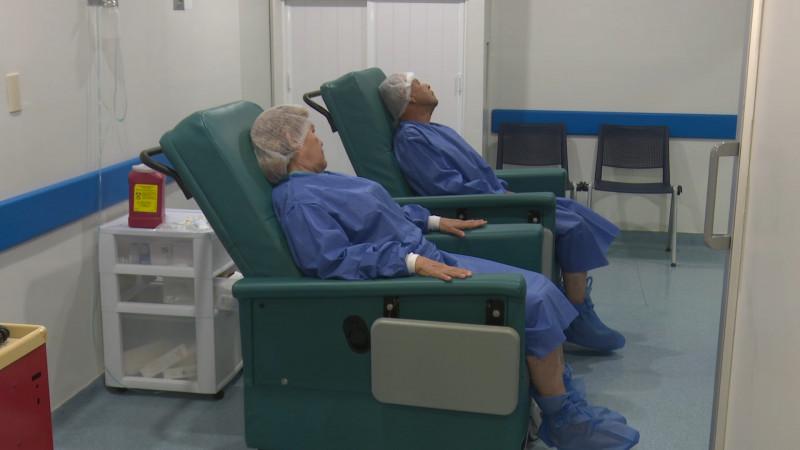 Realizan cirugías de cataratas
