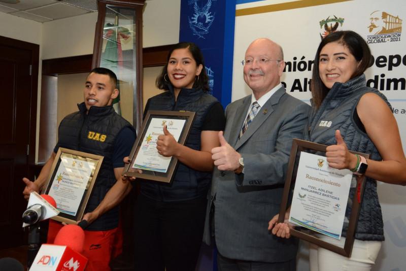 Réctor de la UAS Juan Eulogio Guerra Liera se reúne con medallistas de los Panamericanos