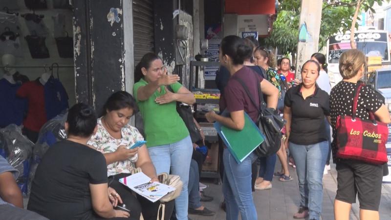 Inicia la entrega de uniformes y útiles escolares gratuitos en Sinaloa