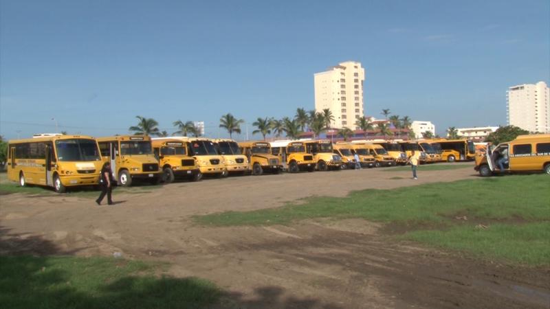 Revisan transporte escolar en Mazatlán