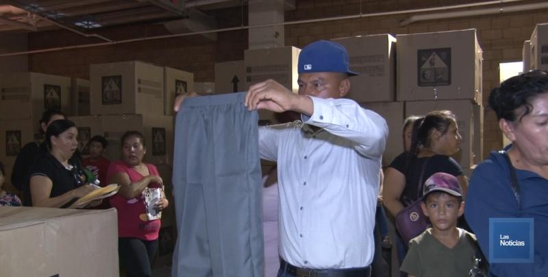 Se han entregado cerca de 8 mil uniformes en Cajeme: Jesús Nares