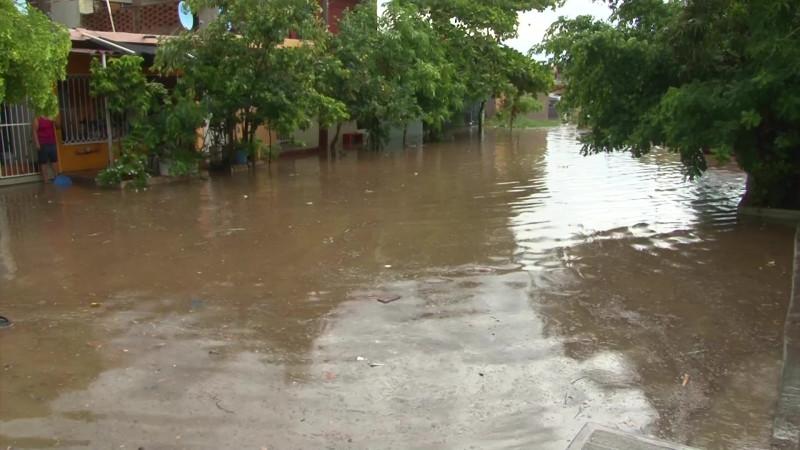 Quedan incomunicados poblados tras las lluvias