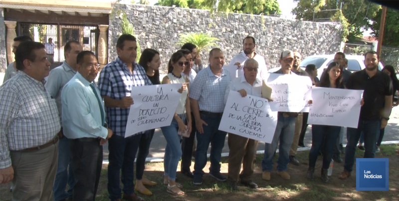 Ciudadanos se manifiestan en contra del cierre de la Casa de la Cultura Jurídica en Cajeme