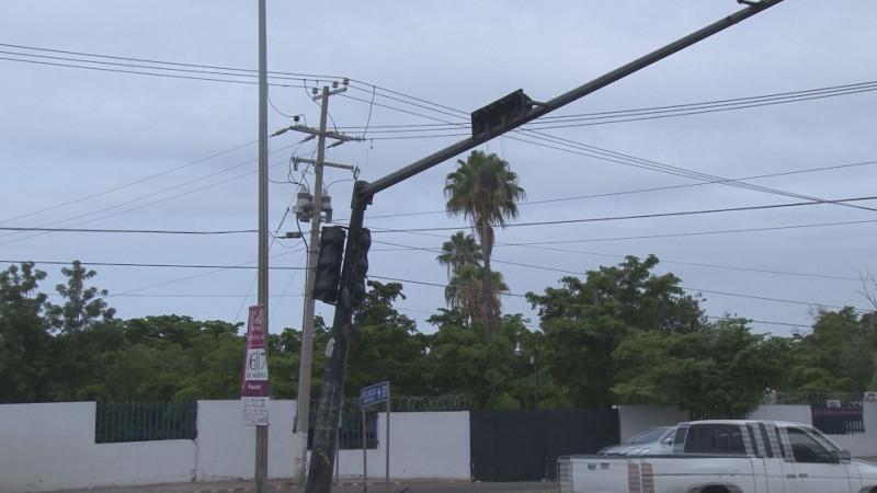 Dañados semáforos por la Obregón