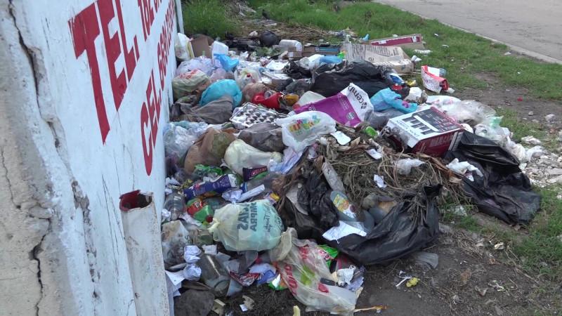 Comienzan a multar por basura a 'deshoras' en Mazatlán