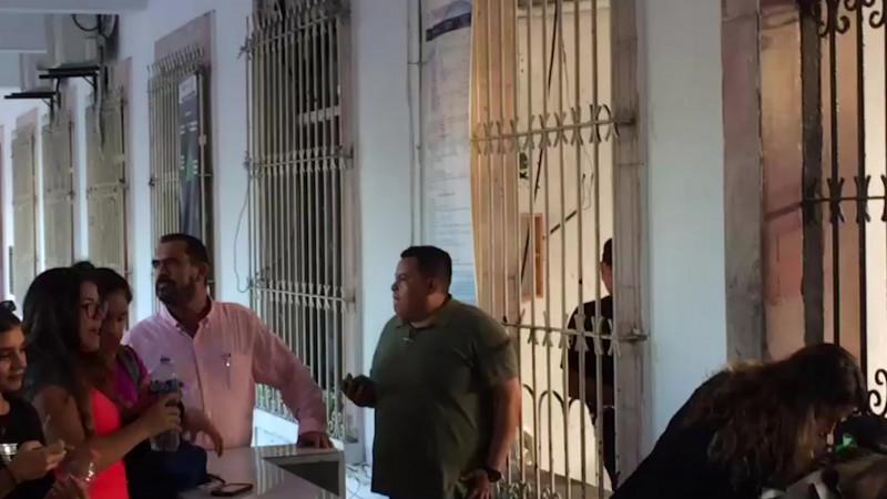 Acechan funcionarios la protesta feminista de Mazatlán