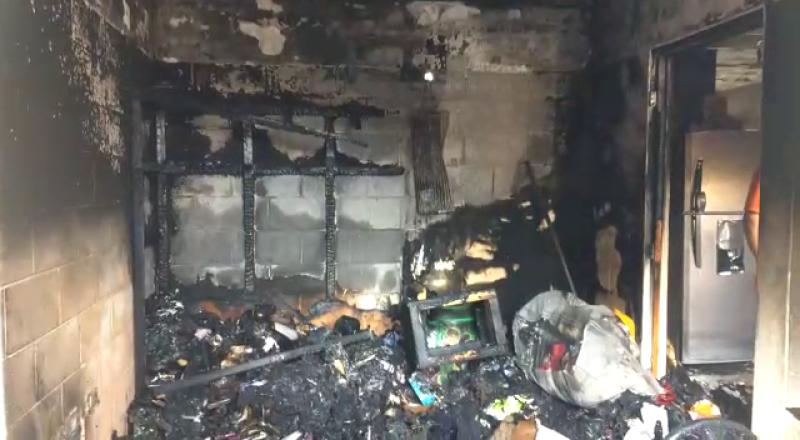 Incendio consume habitación de vivienda