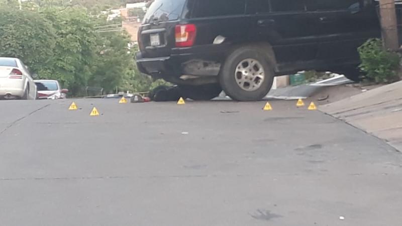 Asesinan a joven con AK 47 en Lomas del Sol