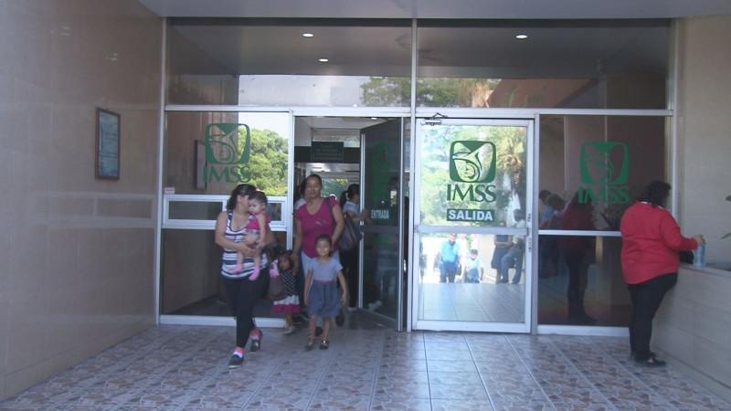 Se manifiestan derechohabientes del IMSS