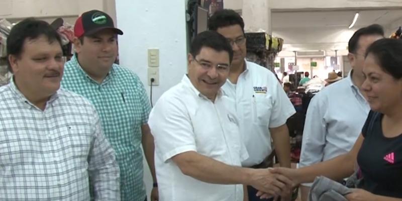 Secretario de Economía Estatal recorre centros de canje