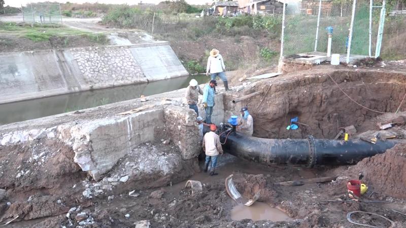 Se rompe tubería y afecta a cinco fraccionamientos en Mazatlán