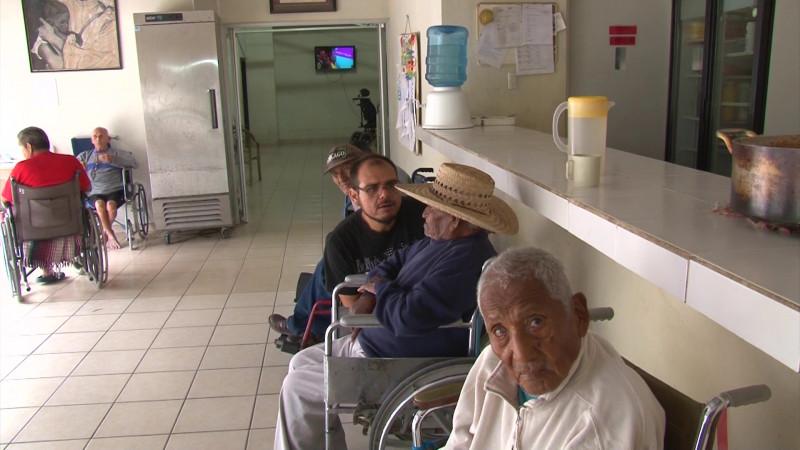 Invitan a festejar con los abuelitos y ayudar