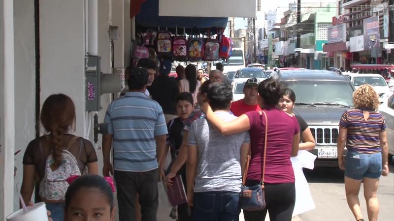 Se desatan compras de última hora por regreso a clases en Mazatlán