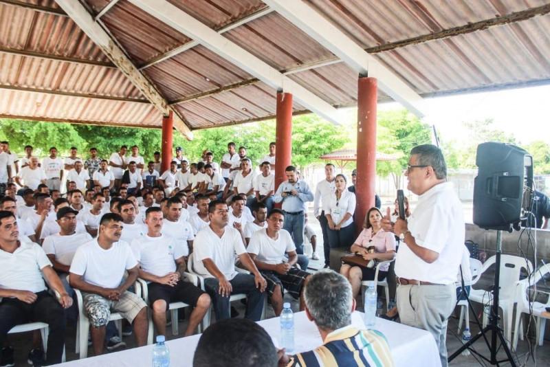 "Lleva SESESP ponencia ""Ser Alguien"" al penal de Mazatlán"