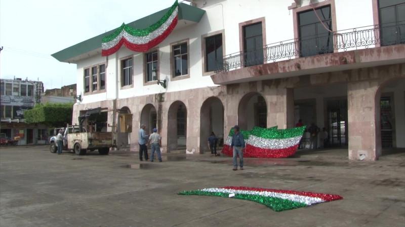 Se viste tricolor el Ayuntamiento de Mazatlán