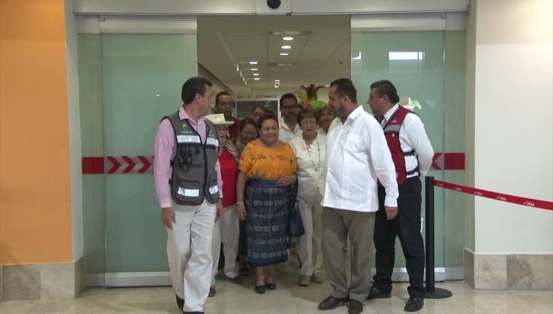 Llega a Mazatlán Rigoberta Menchú