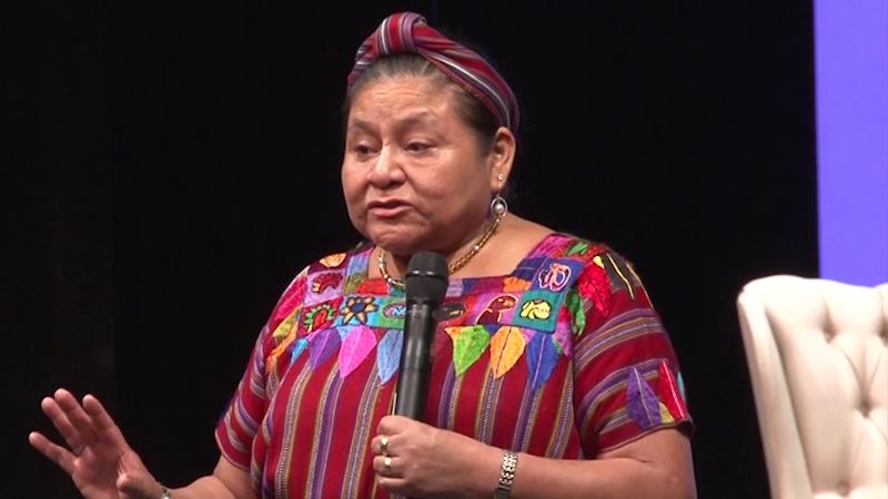 Rigoberta Menchú condena crímenes y pide respeto al ejercicio periodístico