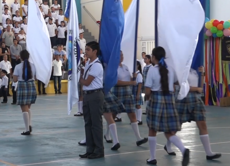 Instituto Hispanoamericano celebra 15 años con develación de bandera e himno institucional