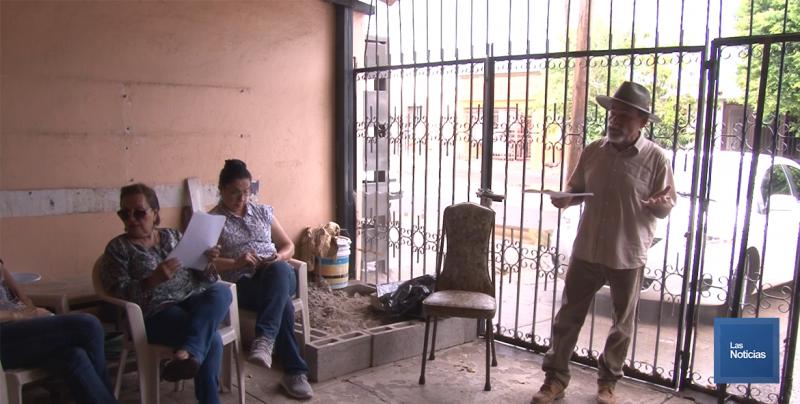 Vecinos de la Ampliación Miravalle entregan a Gobernadora proyecto de drenaje pluvial