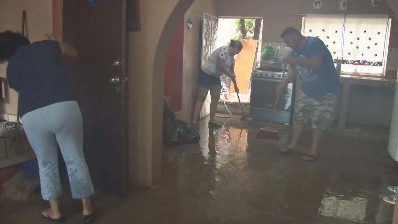 Gobiernos anteriores taparon las salidas de aguas de lluvia al mar : Guillermo Benítez