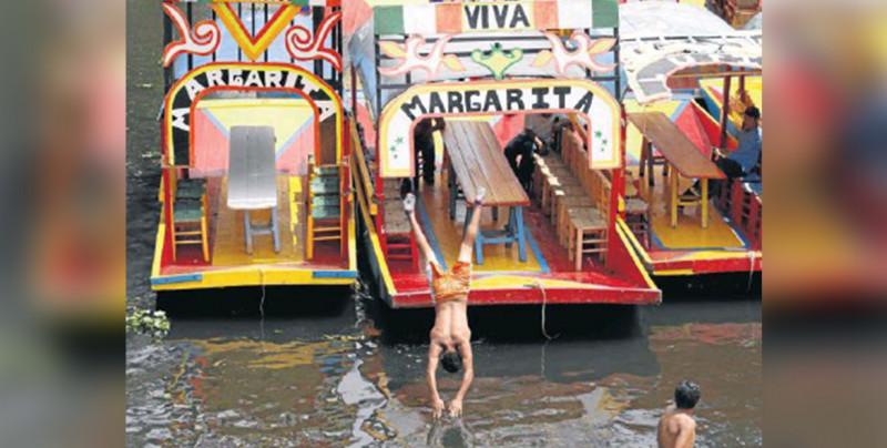 """""""Aquí todos flotan menos Chema"""" Chinamperos de Xochimilco se burlan de la muerte del joven: VIDEO"""