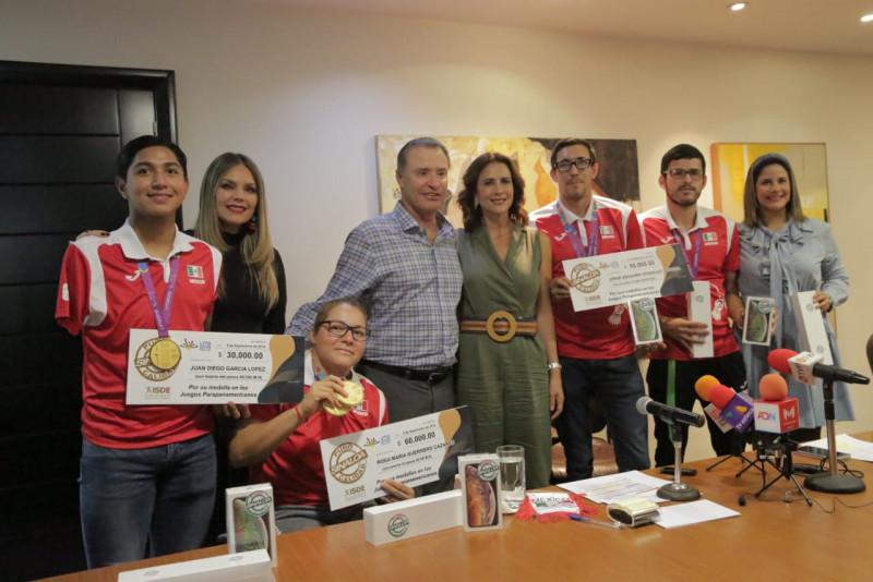 Entrega Gobernador Qurino Ordaz Coppel estimularlos a sinaloenses medallistas en los Juegos Para Panamericanos Lima 2019