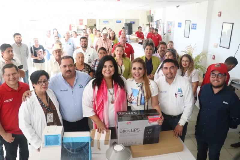 Seguro Popular  entrega  equipo de última tecnología en química seca