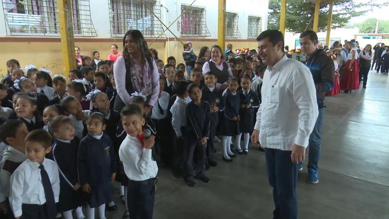 Prioriza Ahome apoyo a escuelas rurales
