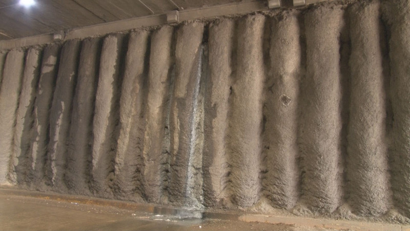 Brota drenaje en túnel de la gas del Valle