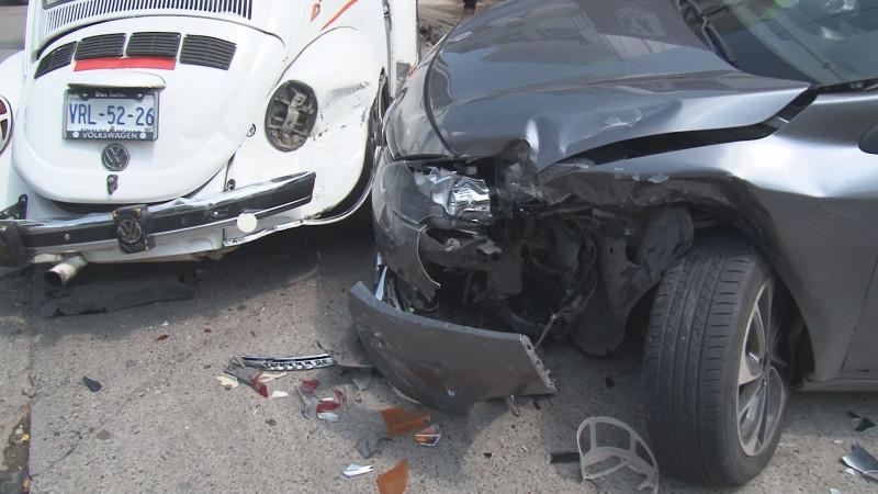 Nuevo accidente tipo carambola se registra en la colonia Almada