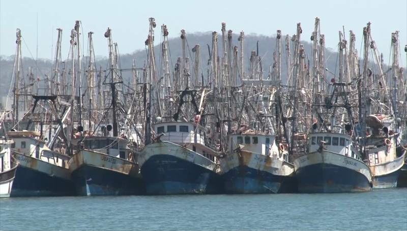 Siguen sin cargar combustible embarcaciones pesqueras