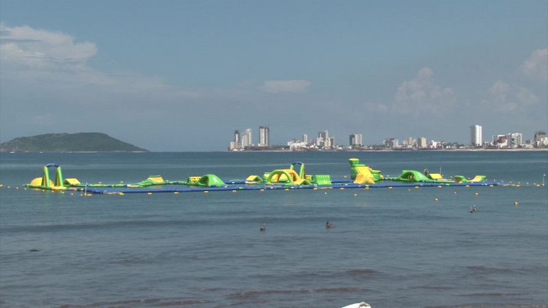 Emplaza Ayuntamiento a parque inflable en Mazatlán
