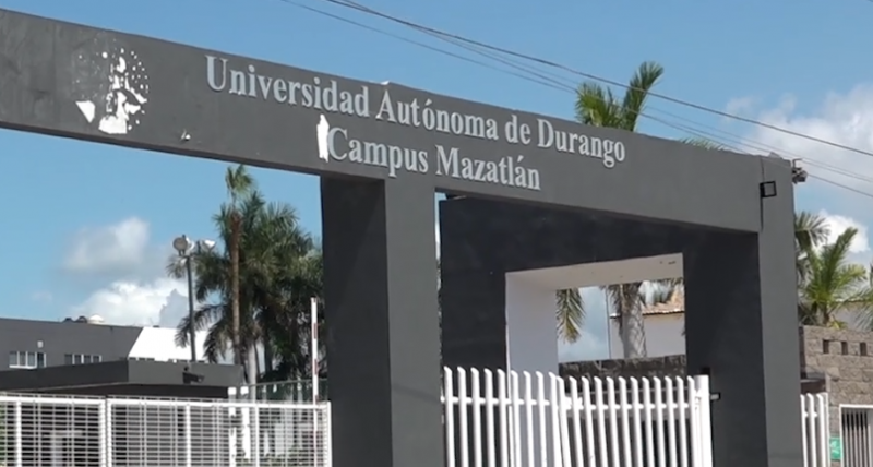Continúan los problemas entre padres, alumnos y la UAD campus Mazatlán