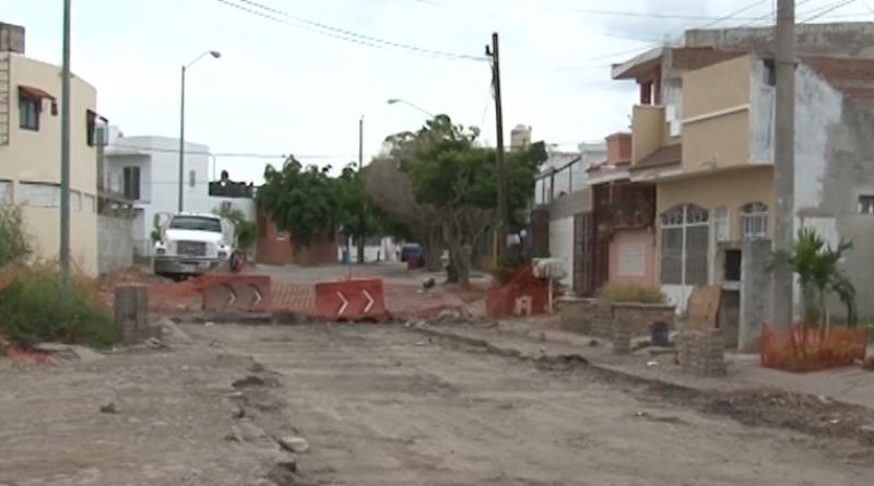 Vecinos de Villa Verde molestos por fallas en alumbrado y abandono de obra