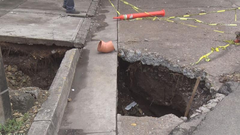 Se abre socavón en La Campiña