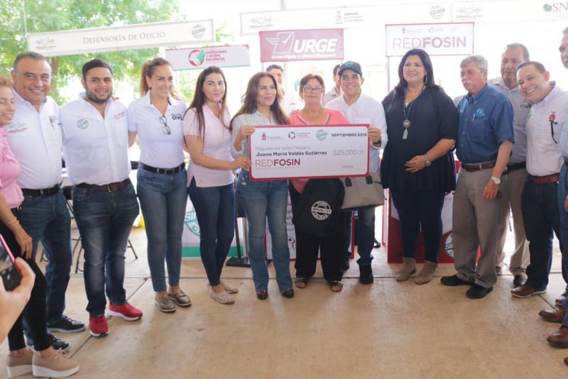 Jornadas de Apoyo 'Puro Sinaloa' llegaron a La Apoma