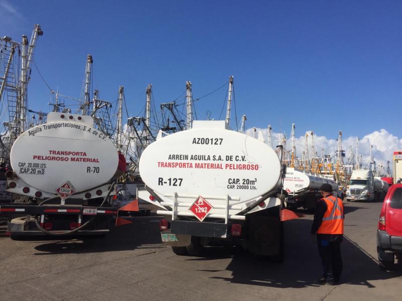 Barcos inician con carga de combustible