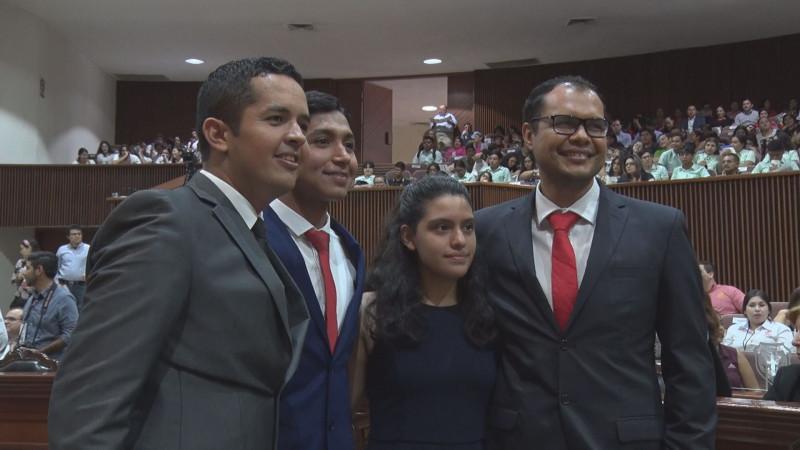 El Congreso del Estado reconoce a 4 jóvenes destacados del estado