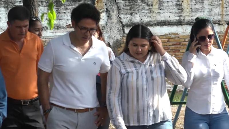Secretario de Educación Pública Estatal recorre escuelas afectadas en Mazatlán