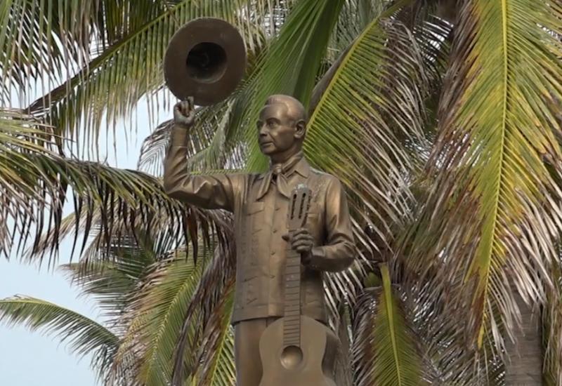 """Mazatlecos le cantan a """"Ferrusquilla"""" a 100 años de su natalicio"""