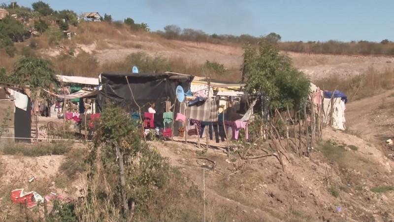 Van por terrenos para los desplazados por la violencia