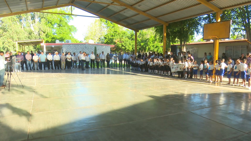 Realizan lunes cívico en 'El Refugio'
