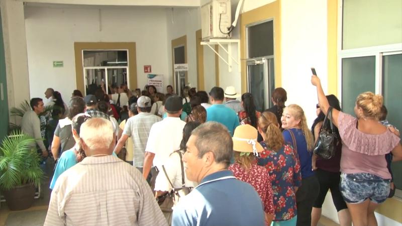 """""""El Presidente, no atiende a su gente"""", exclaman colonos de Mazatlán"""