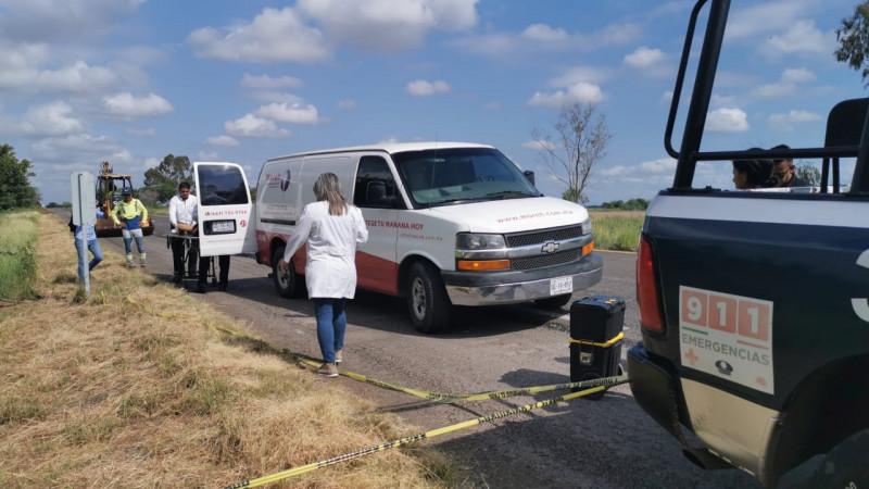 Encuentran cuerpo aun costado de la carretera Culiacán-Mazatlán