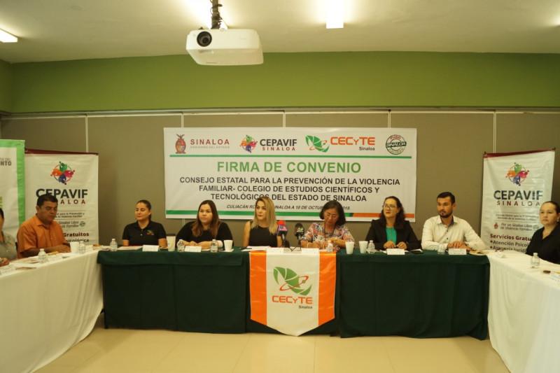 Firman un convenio de colaboración CECyTE Y CEPAVIF