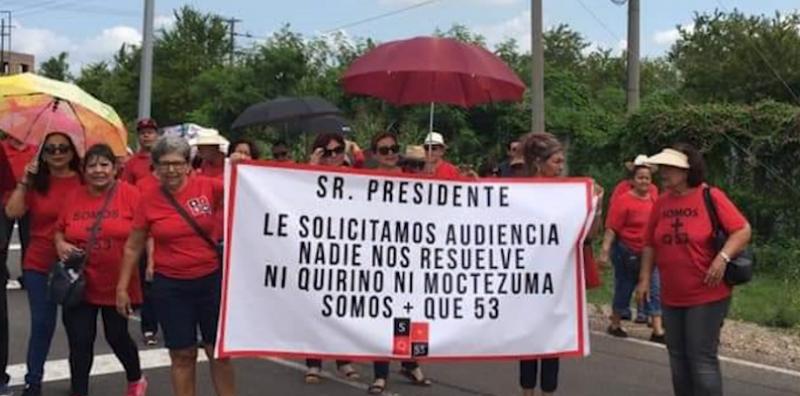 """Movimiento """"Somos más que 53"""" entrega por 3ra vez pliego petitorio a AMLO"""