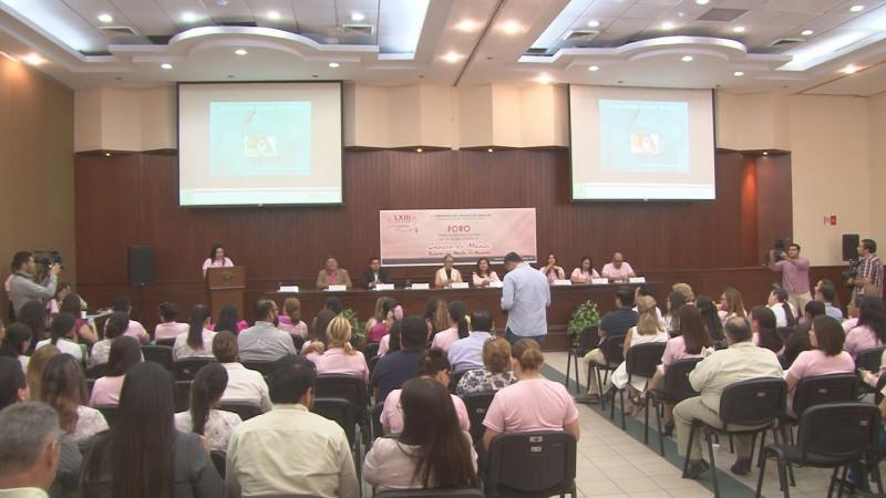 Organiza congreso del estado foro sobre prevención del cáncer de mama