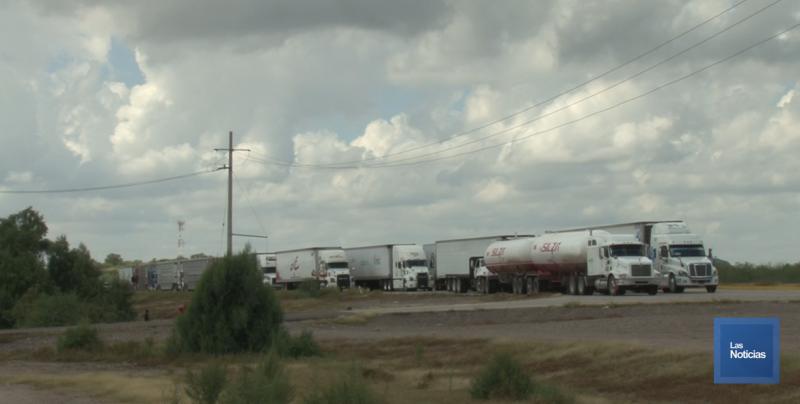 El bloqueo de los yaquis daña la economía y al transporte de carga